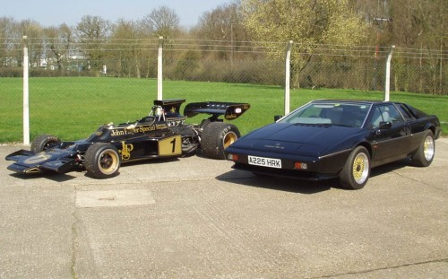 1984 S3 Lotus Esprit visiting a cousin...  Courtesy of Gary Parkin