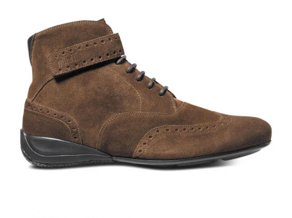 Piloti Campione shoe in brown suede
